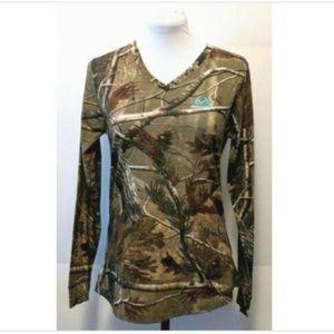 Realtree Long Sleeve V Neck Comfort Fit Camo Print
